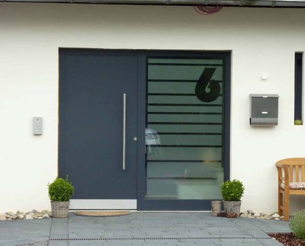 Haustüren mit seitenteil links  Haustüren - STÖBBAUER GmbH + Co. KG